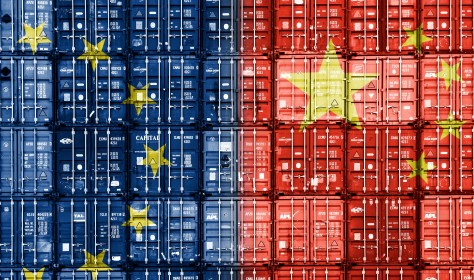 Stacked container showing a projection of European and Chinese flag on the front