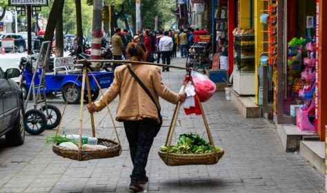 A street vendor in Nanning, China